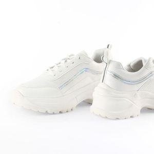 Zapatillas Urbanas Malabar Mujer Patent Mue Blanco