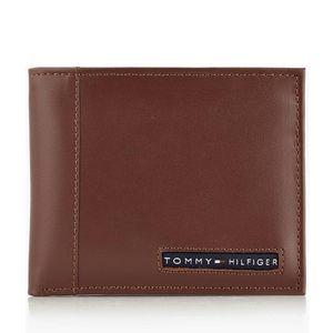 Billetera Tommy Hilfiger para Hombre de Cuero Cambridge Passcase Marrón 31TL22X063-T