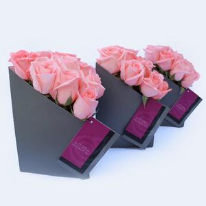 Box Gris Seulement Toi Triangular por 9 Rosas